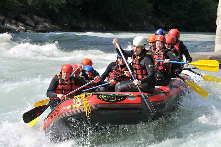 Zambezi whitewater rafting, travel to zambia, zambia tours